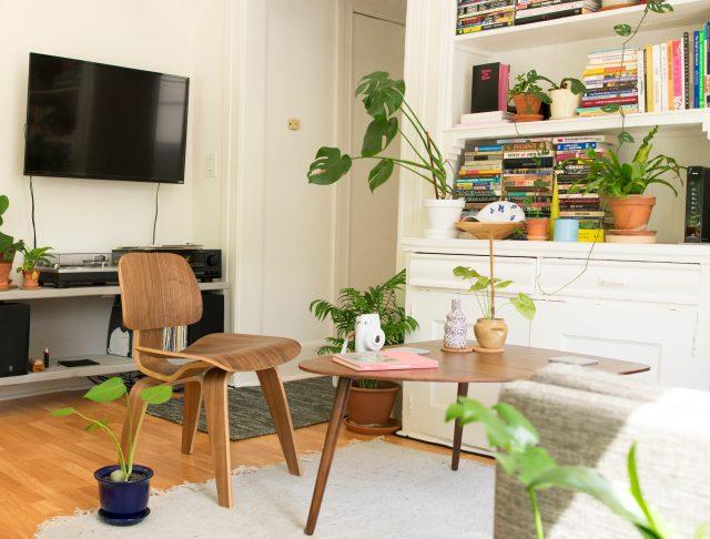 Mitt lamp fria vardagsrum